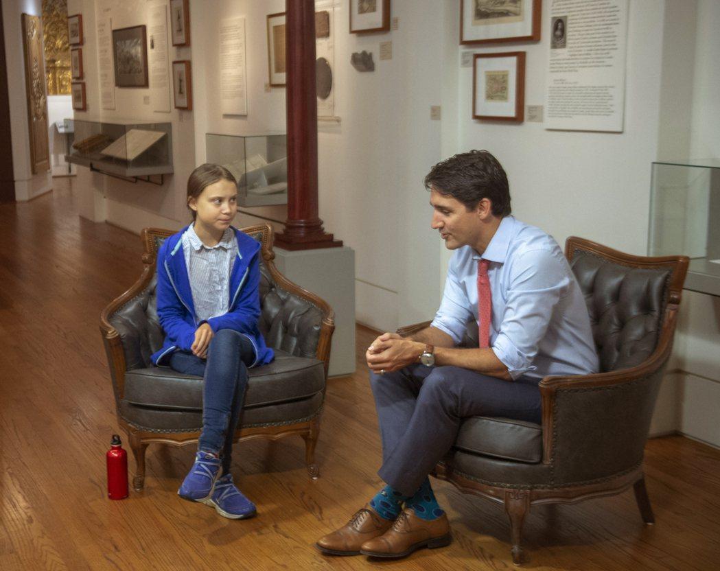 加拿大總理杜魯多(右)去年9月曾接見瑞典氣候少女童貝里。美聯社