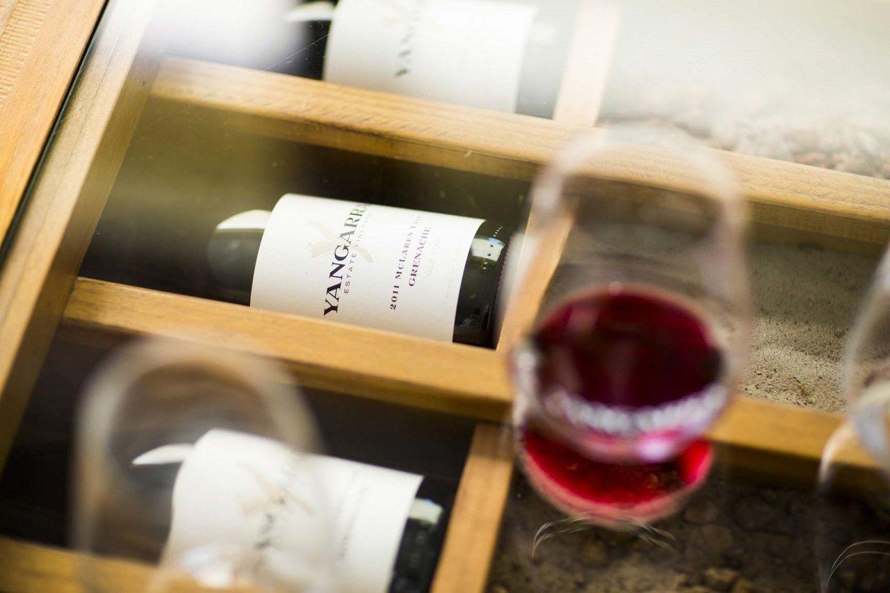 使用軟木塞封存的葡萄酒,建議橫置保存。提醒您:禁止酒駕 飲酒過量有礙健康。 圖/...