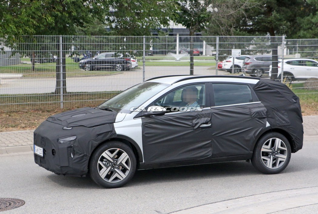 Hyundai Bayon預計將與i20掀背小車共用底盤平台。 摘自Carsco...