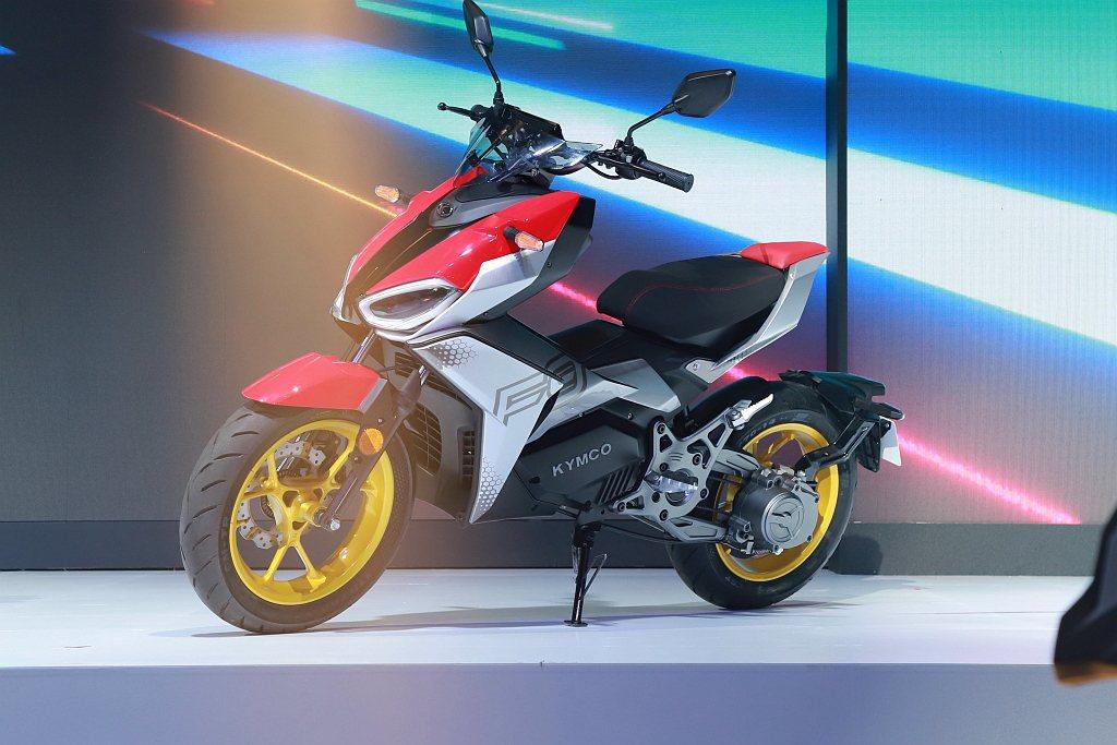 全新KYMCO F9都會運動型電動機車,提供在移動功能之外,更滿足消費者渴望追求...