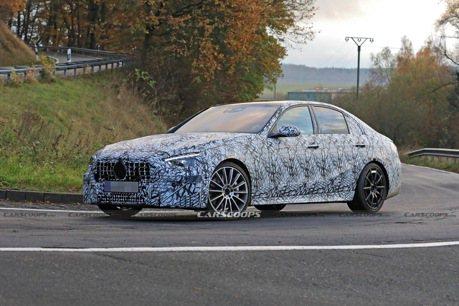 全新世代Mercedes-AMG C 43路試捕獲 排氣量會變小嗎?