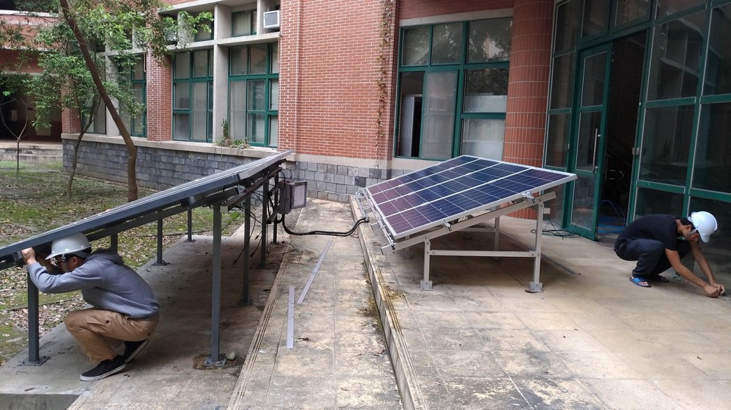 太陽光電面版操作計實務培訓。 東華大學/提供。