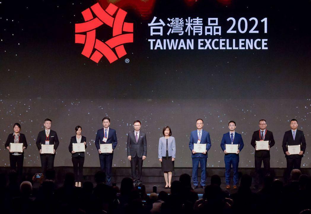 受疫情影響,與生醫領域相關的創新產品獲得台灣精品獎也展現台灣的生醫創新與優勢。 ...