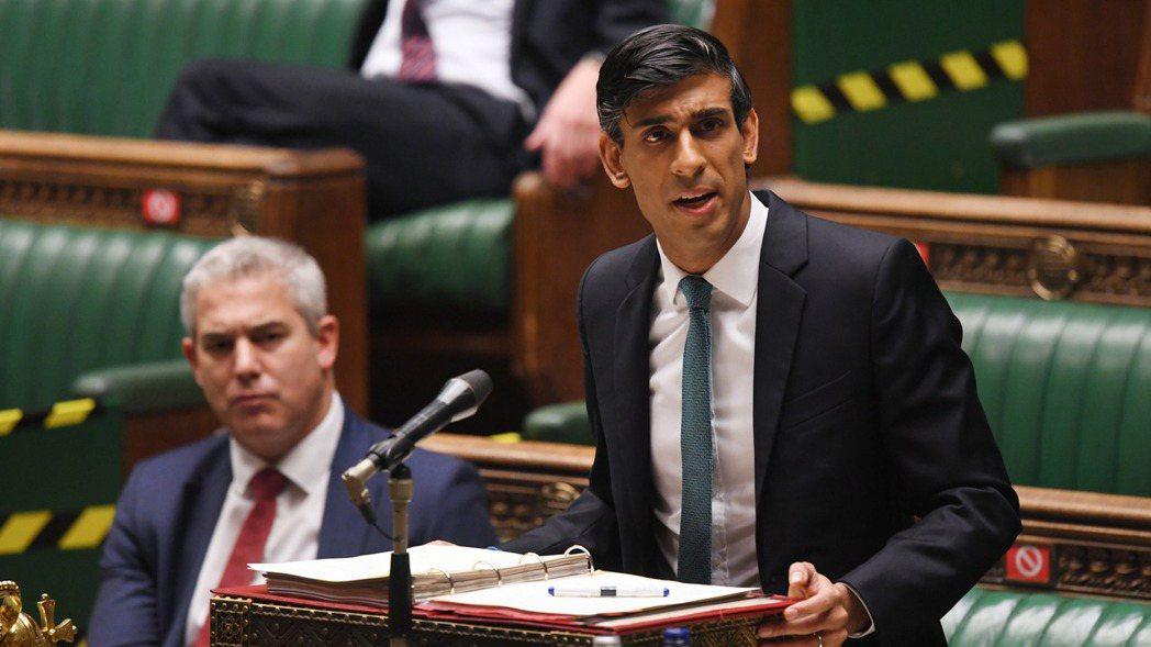 英國財政大臣蘇納克(Rishi Sunak)警告,英國將遭遇300多年來最嚴重的...