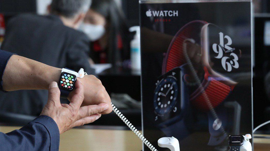 蘋果公司傳出2021年會重新設計MacBook筆電和Apple Watch智慧表...