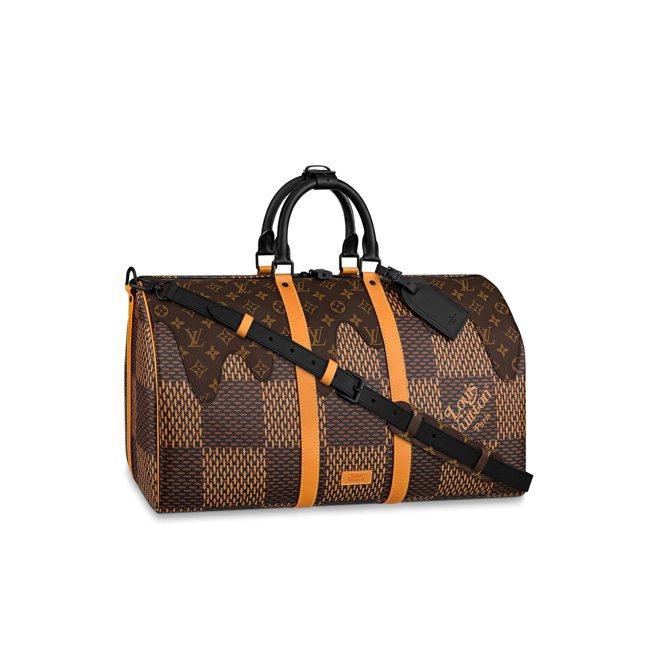 Louis Vuitton x Nigo旅行袋,起拍價6,000美元。圖/羅芙奧...