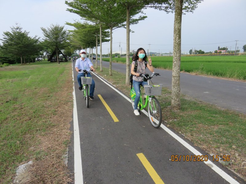 台南市「後壁白河米蘭蓮花自行車道」已完工,秋風送爽好愜意。圖/南市教育局提供