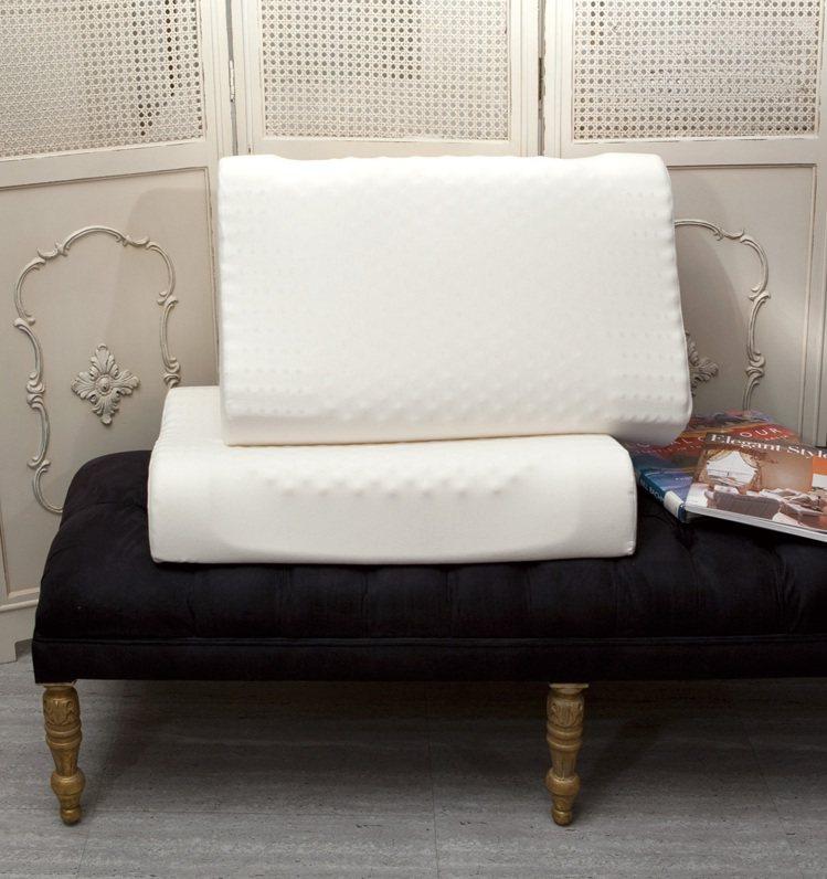 BOSSA工學按摩乳膠枕,特價3,680元/對。圖/日比提供
