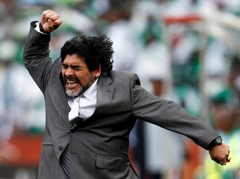 馬拉度納在2010年FIFA世界盃擔任阿根廷國家代表隊教練。路透