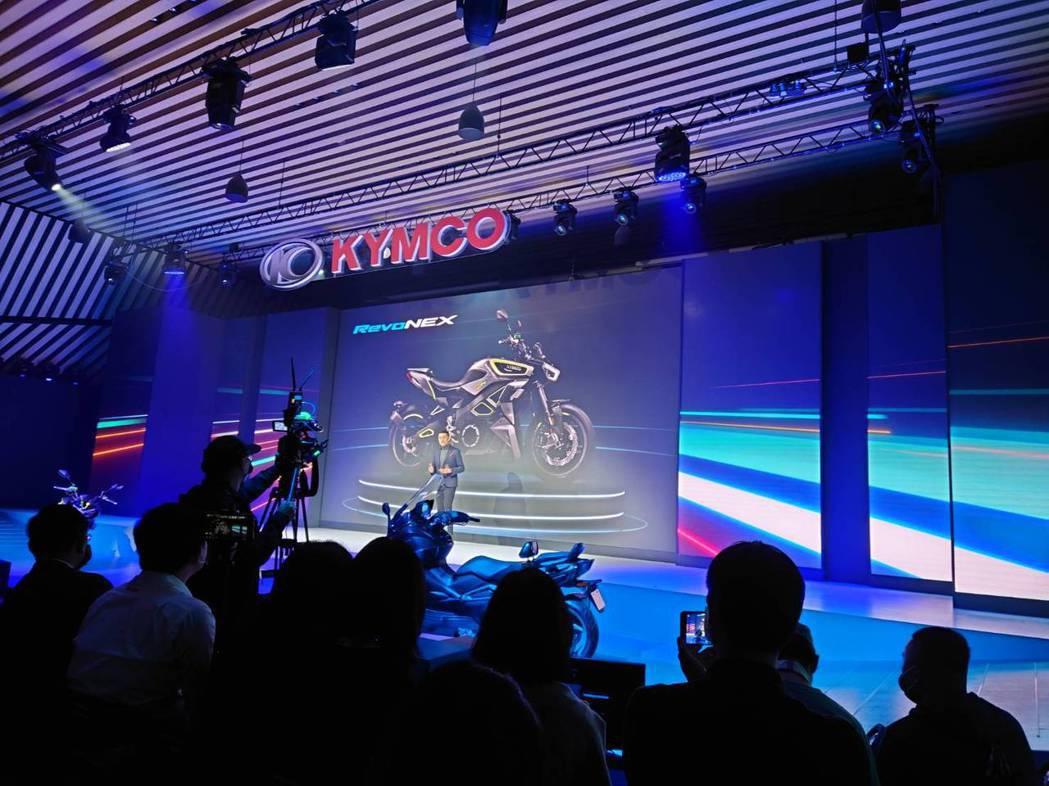 光陽集團董事長柯勝峯宣布首次登陸歐洲規劃生產基地,為將以台灣品牌義大利製造的百萬...