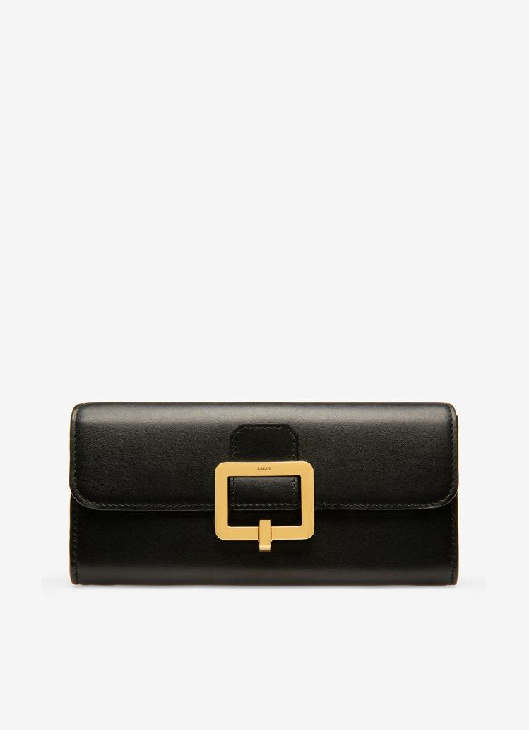 BALLY Janelle黑色牛皮金色方釦長夾,22,280元。圖/BALLY提...