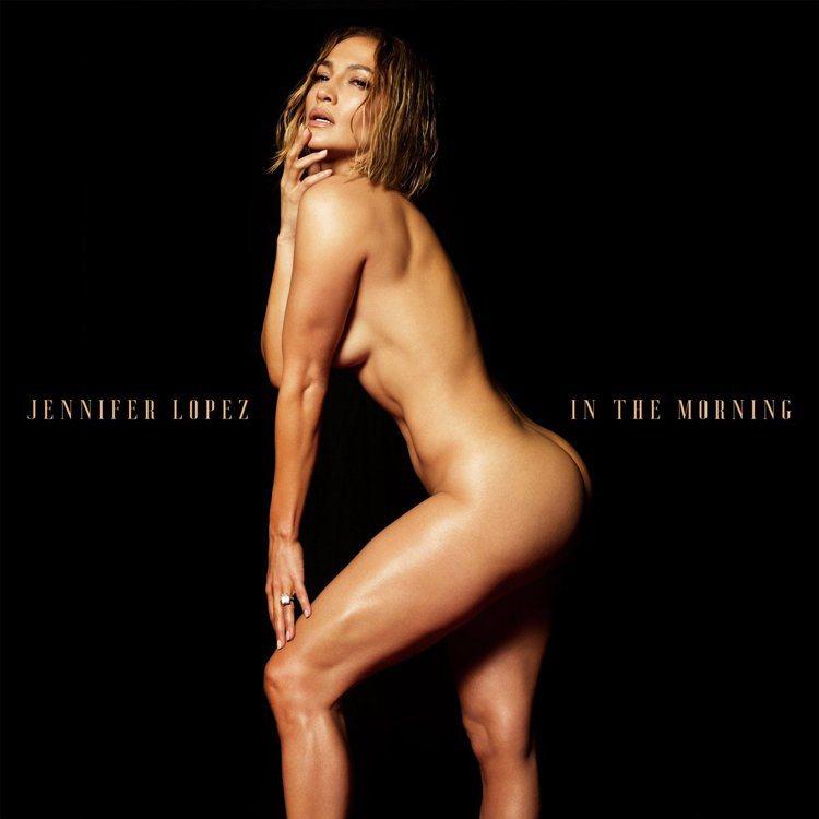 珍妮佛洛佩茲在IG秀出全裸性感美照。圖/摘自IG