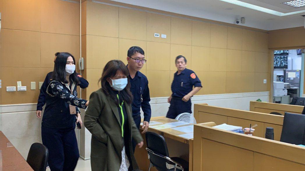 龍巖集團創辦人李世聰之妻劉萍,被控侵占2100萬元,檢方複訊後依違反證交法等罪以...