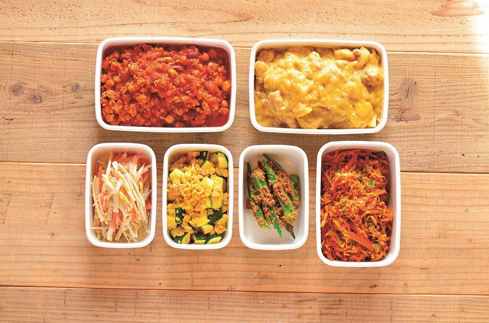 一週常備方便菜(從上至下):墨西哥辣肉醬、玉米奶油燉雞肉、牛蒡胡蘿蔔美乃滋沙拉、...