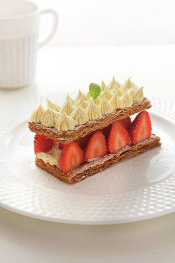 草莓千層酥相當適合當派對點心。 圖/上優文化 提供