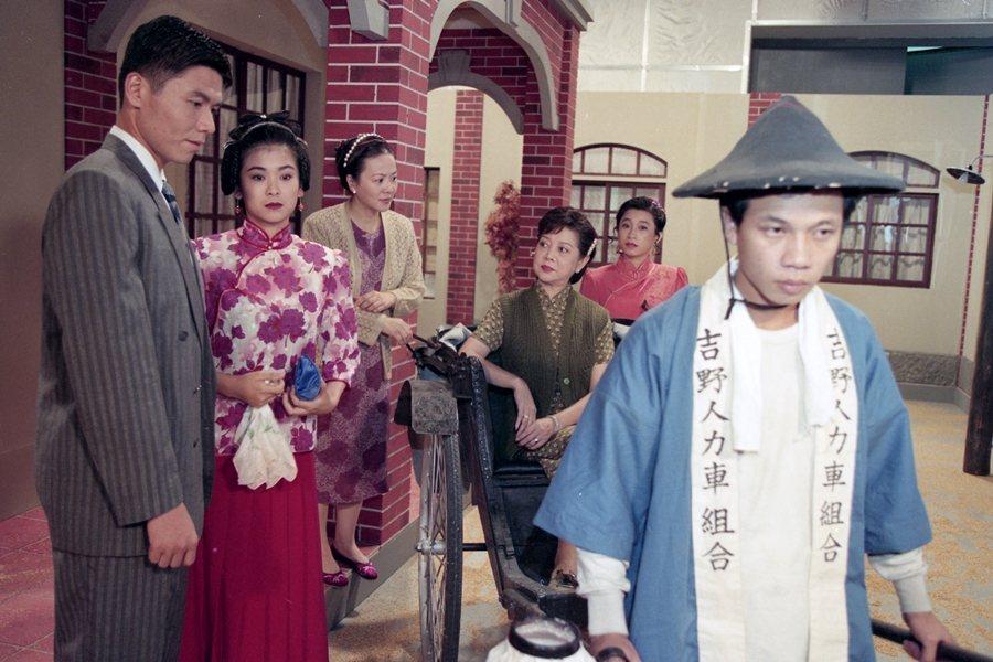 《藝旦間》,左起常富寧、金玉嵐、劉秀雯、陳淑芳,攝於1995年。 圖/聯合報系資料照