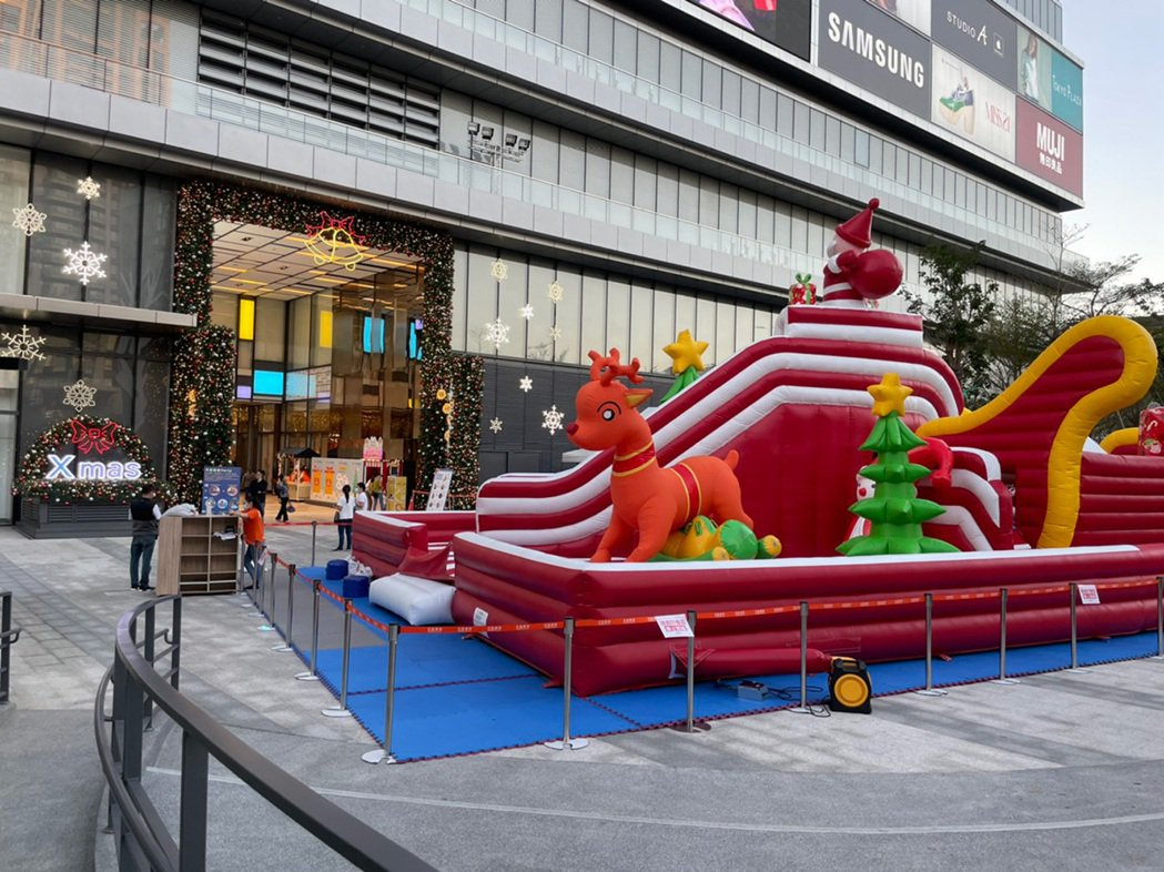 「遠雄達利」散步1分鐘可達宏匯廣場。 圖/遠雄達利提供