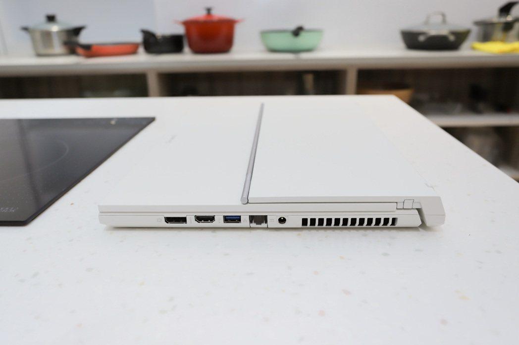 ConceptD 7 Ezel Pro左側。 彭子豪/攝影
