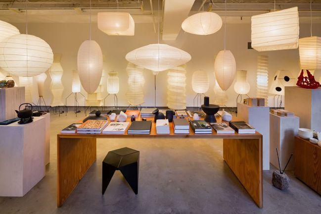 藝術家野口勇設計的Akari紙燈,在疫情期間熱賣,得以維持同名博物館的營運,也讓...