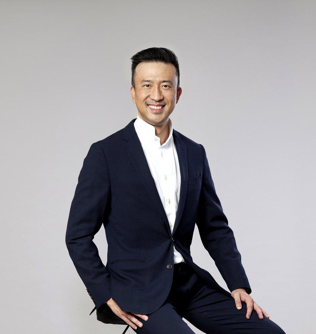 RLP副主席呂慶耀強調建築設計應著重友善環境、與自然共存的利基點,降低建築對環境...