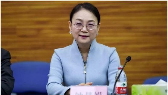 翰森製藥董事會主席兼CEO鐘慧娟 網路照片