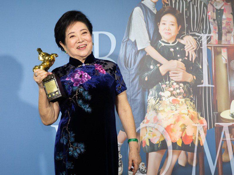 今年金馬獎頒獎典禮上,資深女演員陳淑芳大放異彩,在演藝圈裡中高齡演員發揮的工作空間受限,在一般就業職場上更是如此。圖/聯合報系資料照片