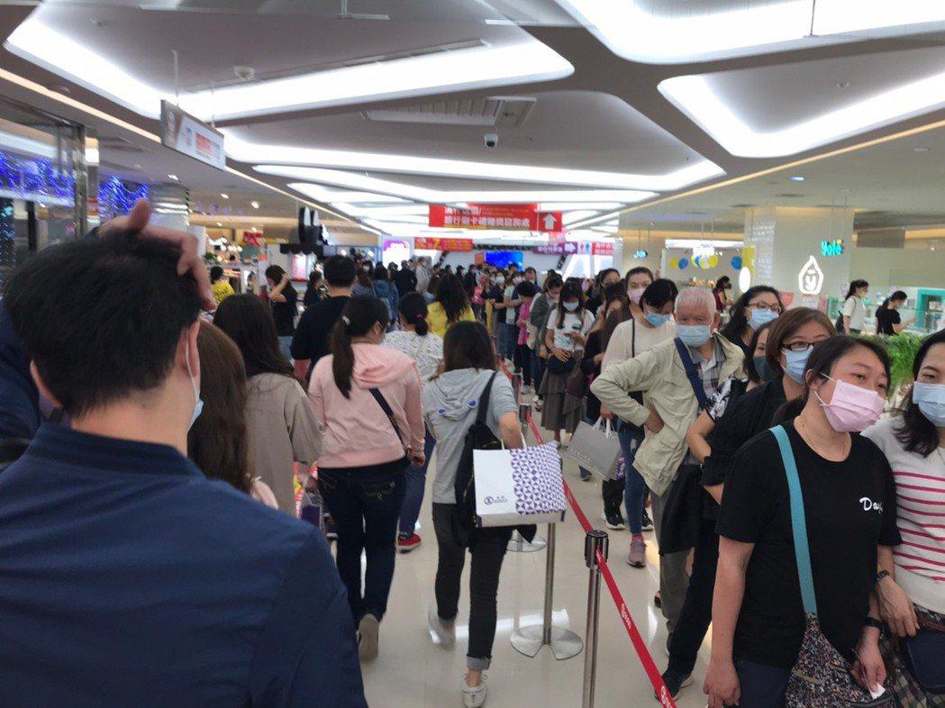 疫後商機大爆發!新竹SOGO周年慶首日締3.1億新高佳績。圖/業者提供