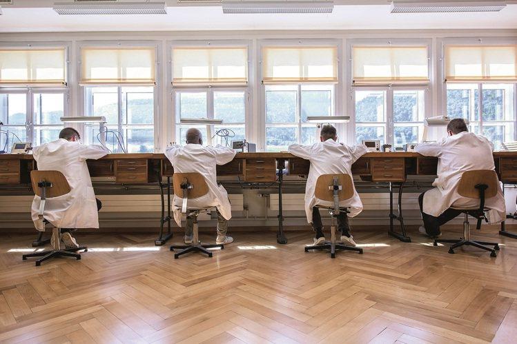 創立於1858年的Minerva表廠,過去專門製造精密複雜的計時碼表機芯,是產業...