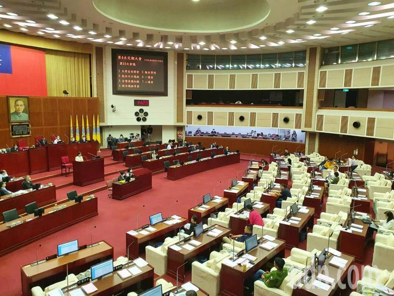 台北市政府在信義路AIT舊址將規畫音樂與圖書中心,遭國民黨議員游淑慧踢爆,原工程預算僅28億,卻暴增53億,追加預算到81億。記者楊正海/攝影