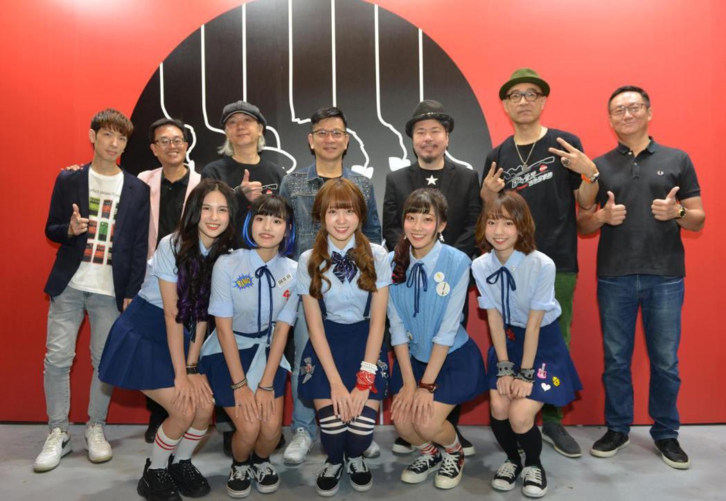 Marty Young(後排左起)、洪本展、李明智、陳子鴻、黃國倫、王治平、陳子