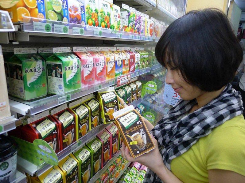 台灣包裝飲料市場中,茶飲占了近40%,接近200億元,成為飲料業者兵家必爭之地。圖/7-ELEVEN提供