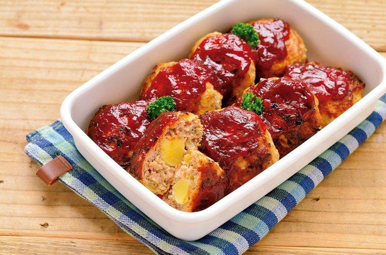 常備主菜示範:起司餡漢堡排。圖/悅知文化 提供