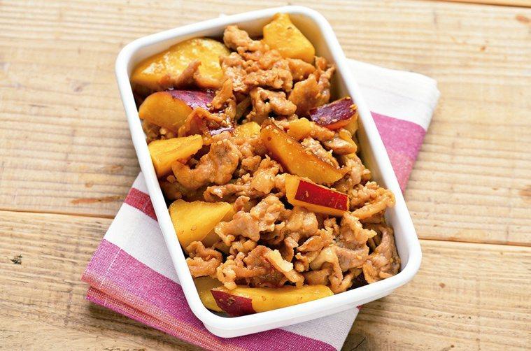 常備主菜示範:甜辣豬肉炒地瓜。圖/悅知文化 提供