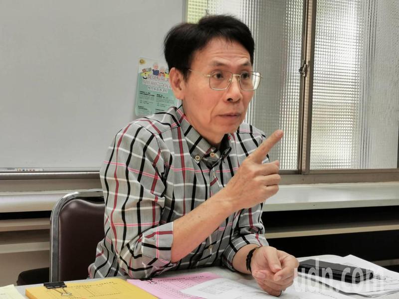 江海說,他不是棧戀職位,但依法當選,市府、前屆理事長、校長都應該尊重選舉結果。記者卜敏正/攝影