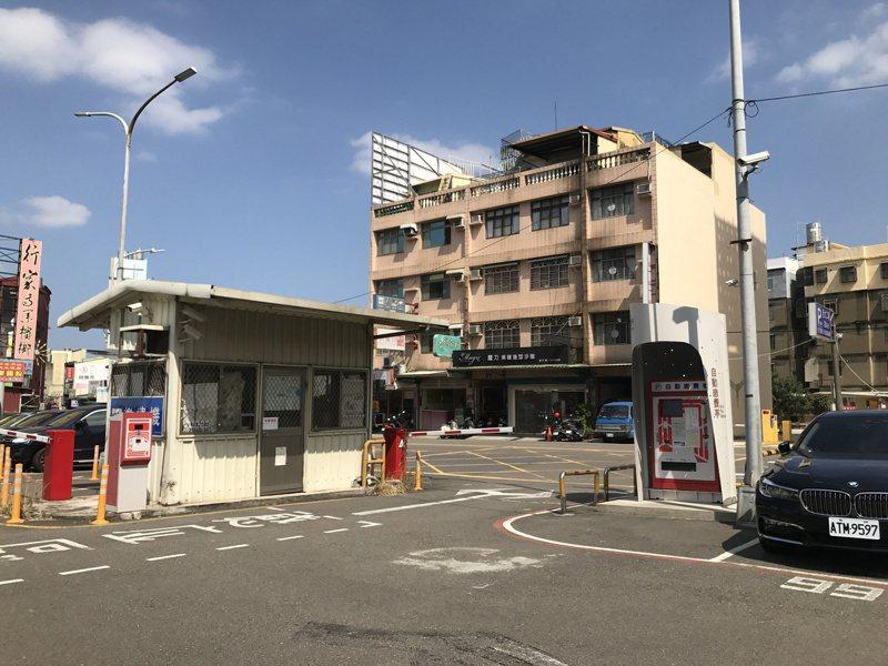 新竹市西大路停七平面停車場將改建為立體停車場,可提供284席汽車位及270席機車位。圖/市府提供
