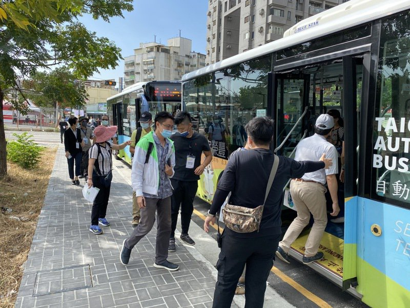 明年起台中市公車優惠補貼,只有台中市民才可享10公里內免費搭乘。圖/台中市府提供