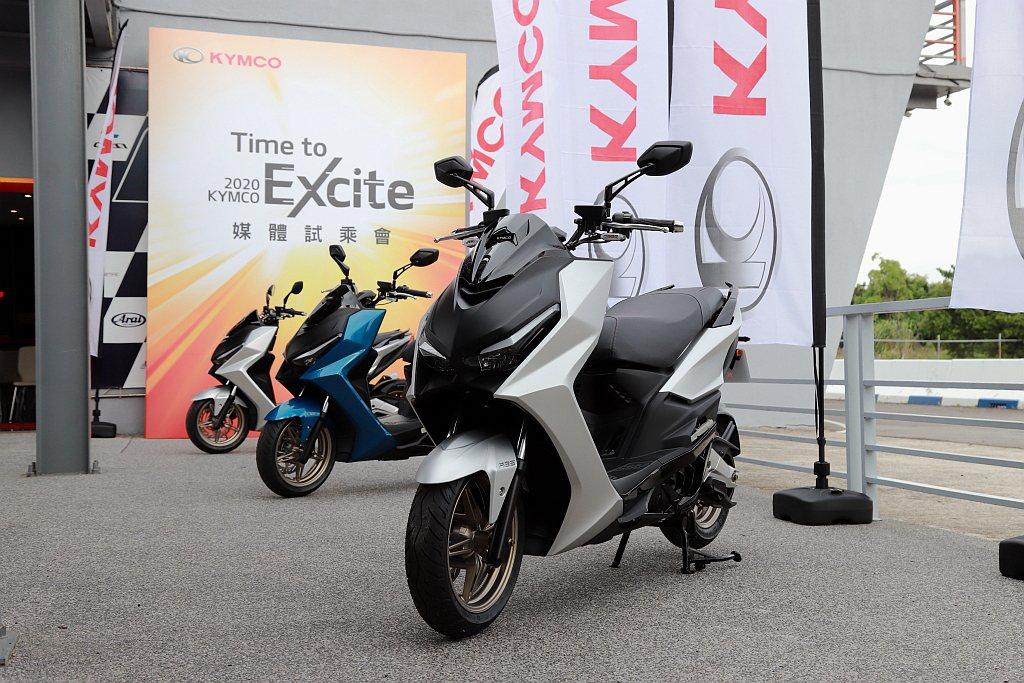 台灣機車市場銷售龍頭KYMCO,看準運動休旅的銷售需求發表嶄全新機種KRV,預定...