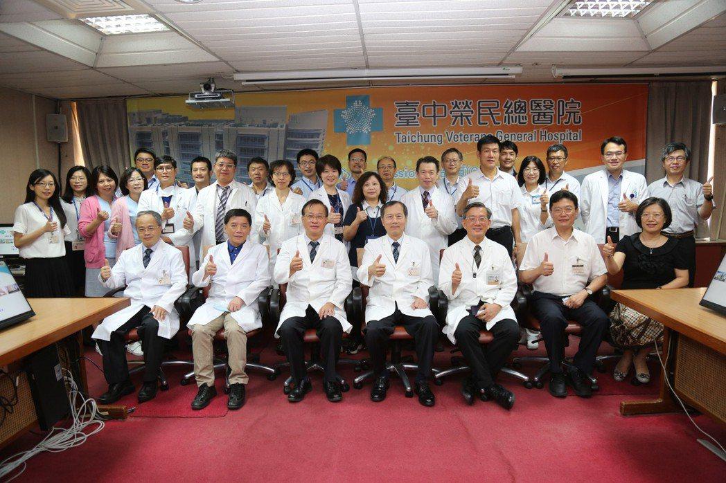 許惠恒院長每季親自主持品牌加值管理會。