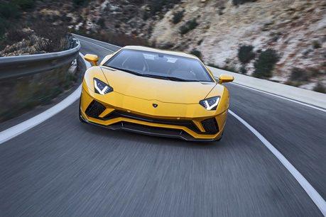 V12不死並加入油電輔助!Lamborghini Aventador後繼車明年現身?