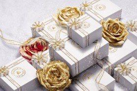金色蜜蜂好閃耀!嬌蘭加碼耶誕必入手5禮盒,CP值超高