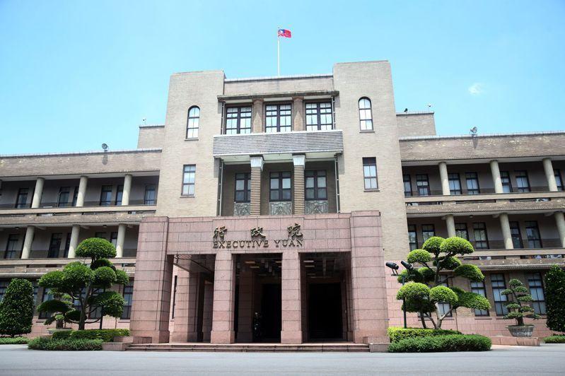 行政院長蘇貞昌日前表態支持實價登錄2.0,相關版本已經在與民進黨團立委做最後溝通...