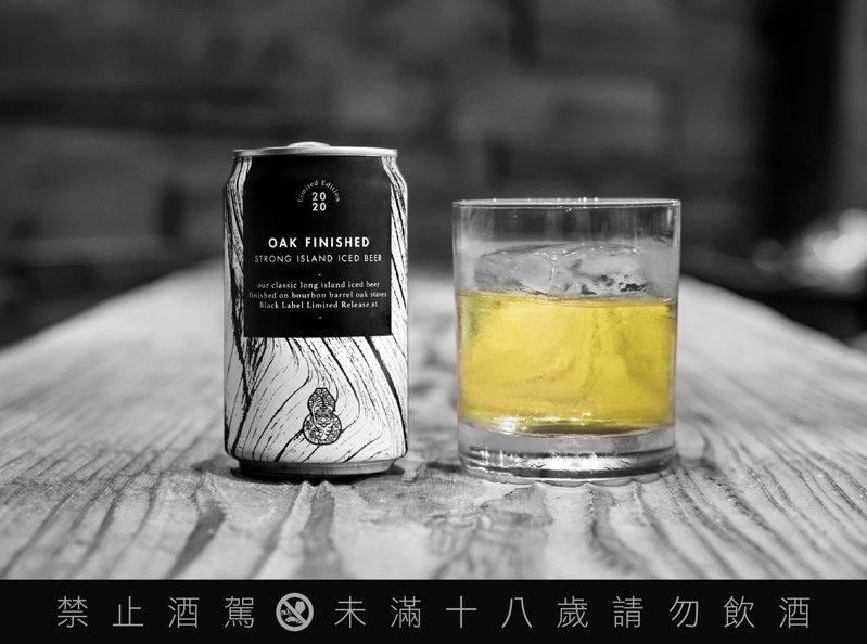 由於酒體曾於波本木桶中作用,加上特殊釀造工序,為酒體添增了濃郁的香草與堅果香。圖 / 臺虎精釀提供。提醒您:喝酒不開車、開車不喝酒。
