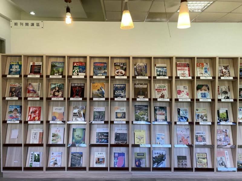 清水高中「社區共讀站」啟用,學生有嶄新、明亮的閱讀空間,社區民眾也能共享。圖/台中市教育局提供