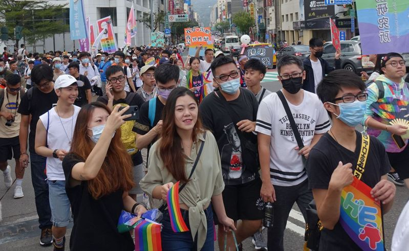 2020高雄同志大遊行參加者以年輕世代居多。記者楊濡嘉/攝影