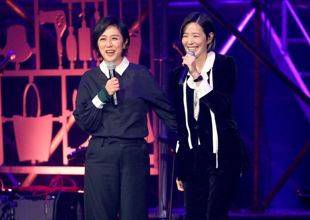 安溥(右)邀來黃韻玲合作,讓粉絲感到驚喜。記者余承翰/攝影