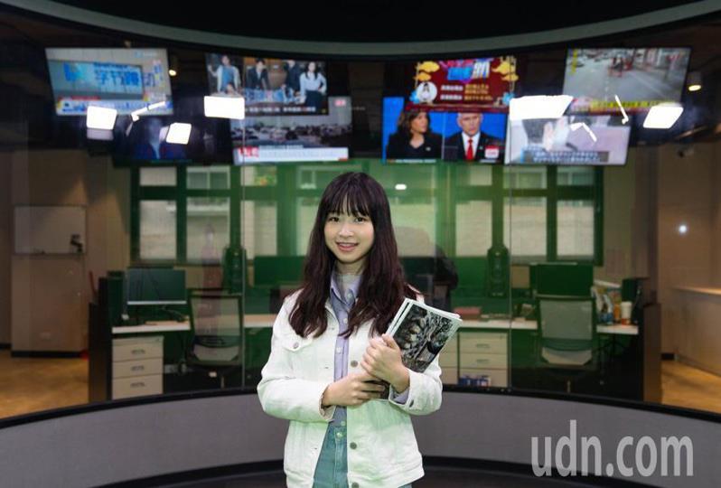 歌壇新人莊凌芸表示很確定自己的志向,就算未來不走演藝圈,會繼續在世新讀自己鍾愛的。圖/世新大學堤供