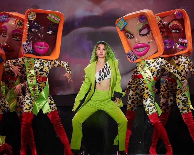 蔡依林在「Ugly Beauty 2020世界巡迴演唱會高雄站」身穿Berlut...