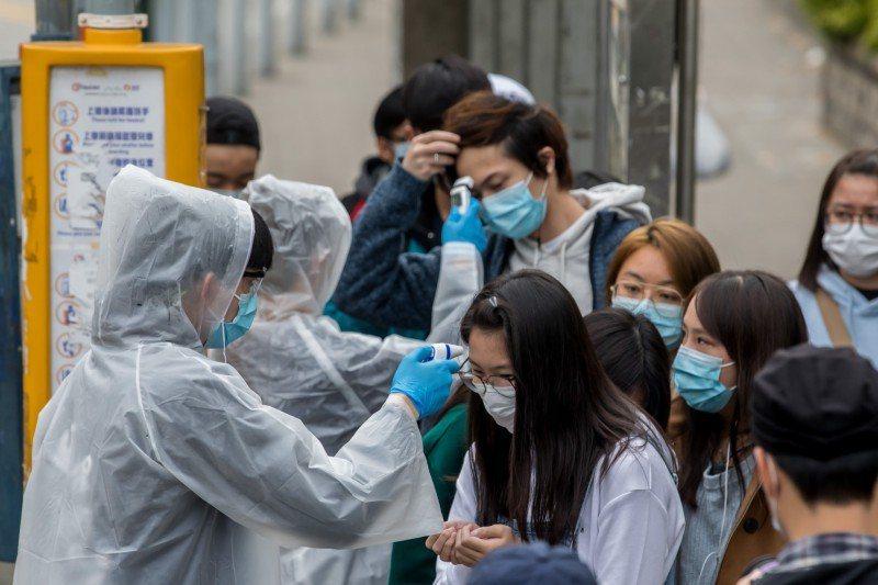 香港疫情惡化。圖/取自彭博