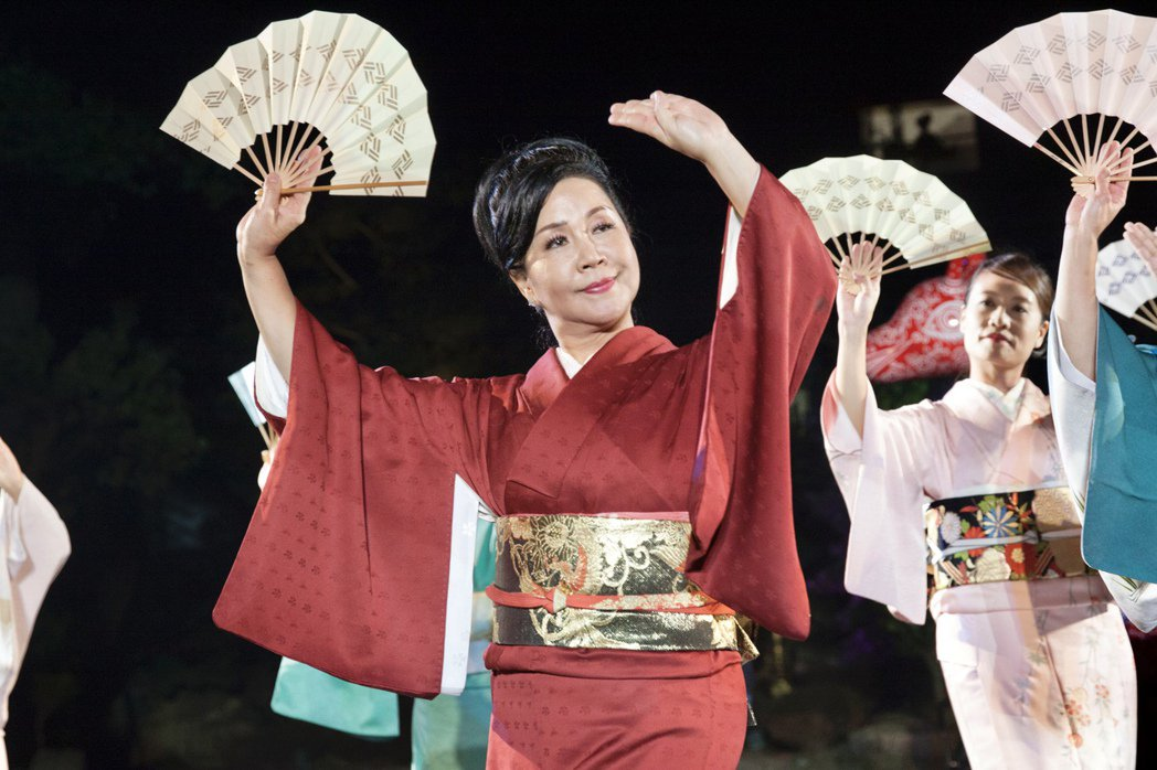 西川淑敏為台灣取得日本西川流師範證照的第一人,多年來致力日本舞踊藝術推廣。記者宋...