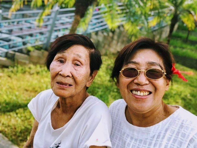 2020年疫情期間不能出國,遲慧芳便帶著媽媽探索台灣,出外旅遊成了2人的日常。 ...
